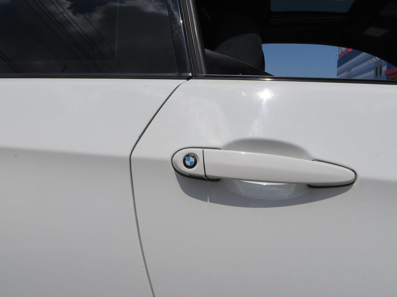 BMW鍵穴ステッカー
