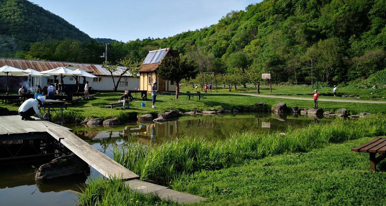 八剣山果樹園の釣り堀
